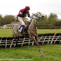 01st Petite Parisienne (FR) ( 11 , maroon, white star ) and B.J. Cooper - Trainer : W.P. Mullins - Owner : Gigginstown House Stud