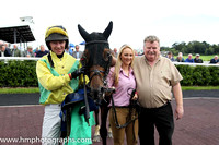 01st Itshard To No ( 4 , yellow and emerald green diabolo ) and N. McParlan (5) - Trainer : S. McParlan - Owner : S. McParlan