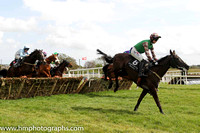 05th Round Tower ( 6 , green, black sleeves ) and J.C. Barry (7) - Trainer : Karl Thornton - Owner : James Francis Brennan