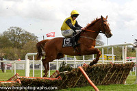 08th Persian Wind ( 15 , yellow, black sleeves ) and R. Loughran - Trainer : Robert Honner - Owner : Around The Fire Syndicate