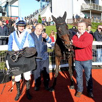 01st Fethard Player ( 1 , white, blue chevron ) and D.J. Mullins (3) - Trainer : W. F. Treacy - Owner : W. F. Treacy