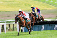 01st Shipwreck and A W Short 5 ( 13 , light blue and yellow hoops ) Trainer - C A McBratney , Owner - Templeburn Racing Syndicate
