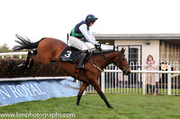 06th Shershewill ( 3 , black, green sash ) and N.P. Madden - Trainer : Aaron Stronge - Owner : Mrs Loretta McCausland